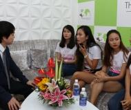 Bác sĩ Nguyễn Văn Phùng và sinh viên